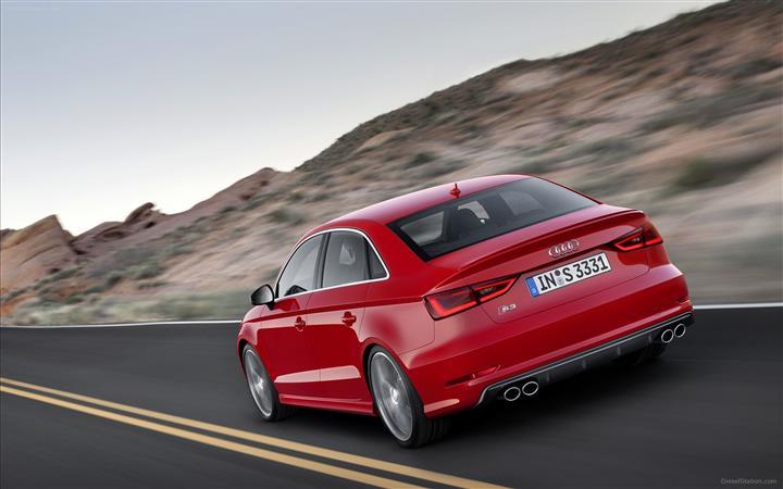 Audi-S3-Sedan-2014-widescreen-22