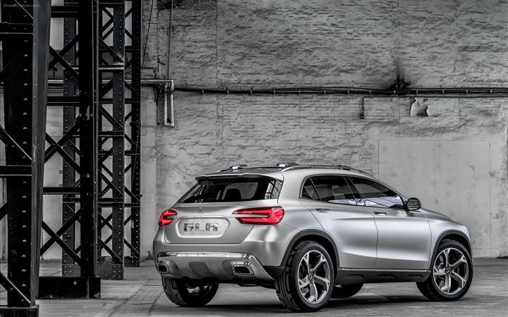 Mercedes-Benz-GLA-Concept-2013-widescreen-08