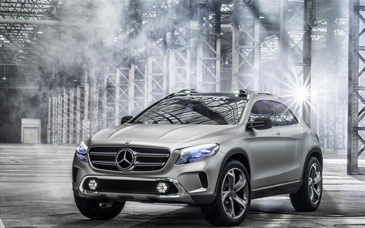 Mercedes-Benz-GLA-Concept-2013-widescreen-10