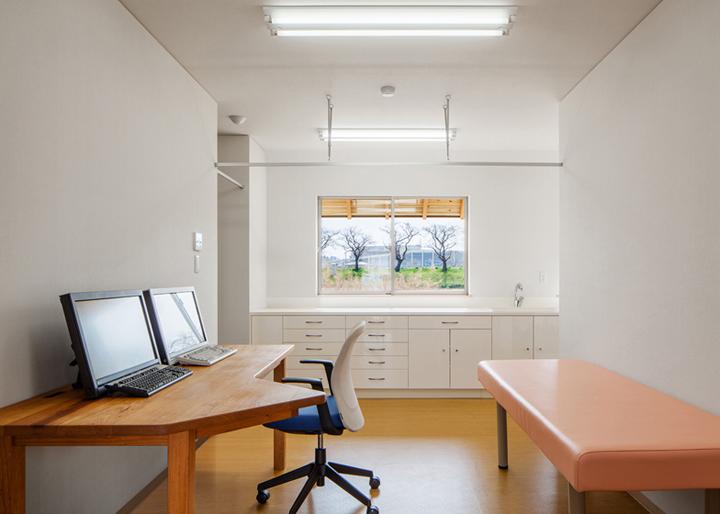Y-Clinic-by-Kimitaka-Aoki-ARCO-architects-Tsuchiura-Japan-04