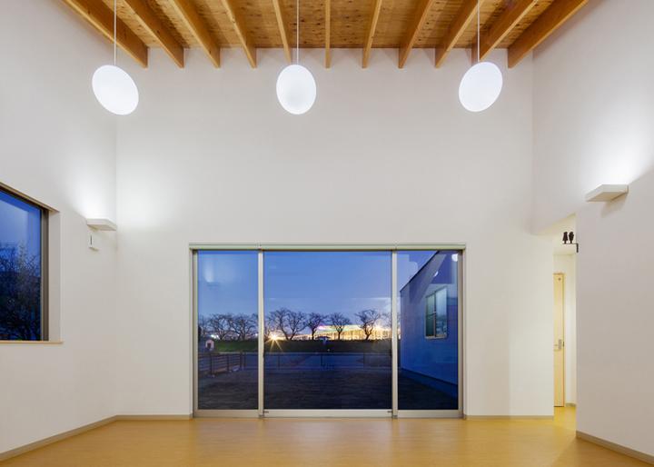 Y-Clinic-by-Kimitaka-Aoki-ARCO-architects-Tsuchiura-Japan-06