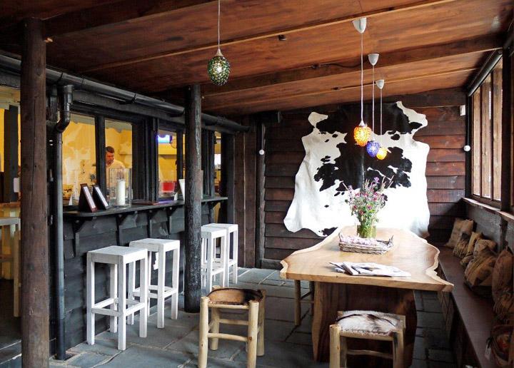 Saddlery-Cafe-by-Jamieson-Smith-Associates-St-Albans-UK-03
