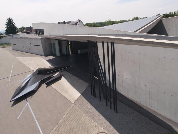 Prima-installation-for-Swarovski-Vitra-by-Zaha-Hadid-Weil-am-Rhein-Germany-03