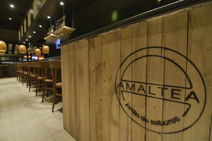 AMALTEA-Jardin-de-Sabores-restaurant-by-Barsante-Disegno-Rosario-Argentina-04