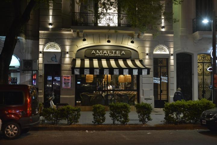 AMALTEA-Jardin-de-Sabores-restaurant-by-Barsante-Disegno-Rosario-Argentina-11