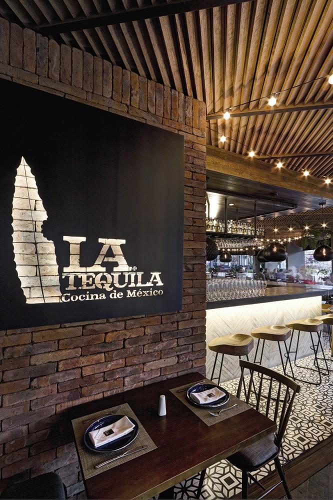 52fb8d75e8e44ea758000139_la-tequila-south-restaurant-loa-_la_tequila_07-666x1000