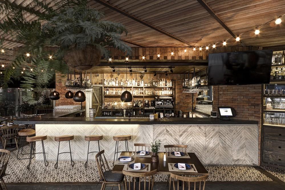 52fb8da3e8e44ea75800013b_la-tequila-south-restaurant-loa-_la_tequila_12-1000x666