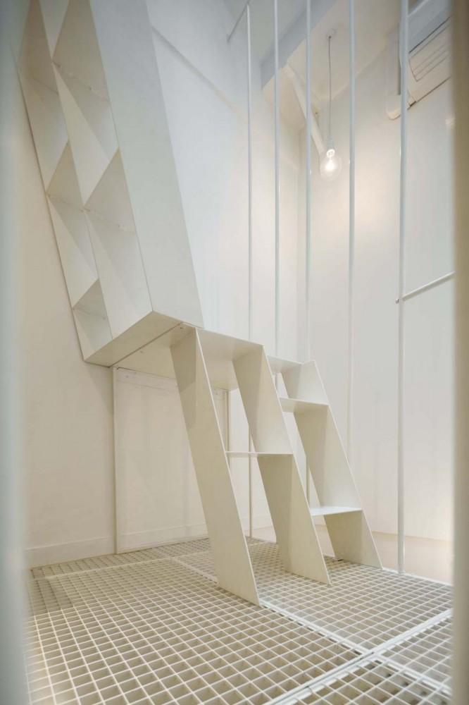 5304cc52e8e44ef683000144_tower-apartment-agence-sml_marc-sirvin-clemence-eliard-agence-sml-tower_appartment_05-666x1000
