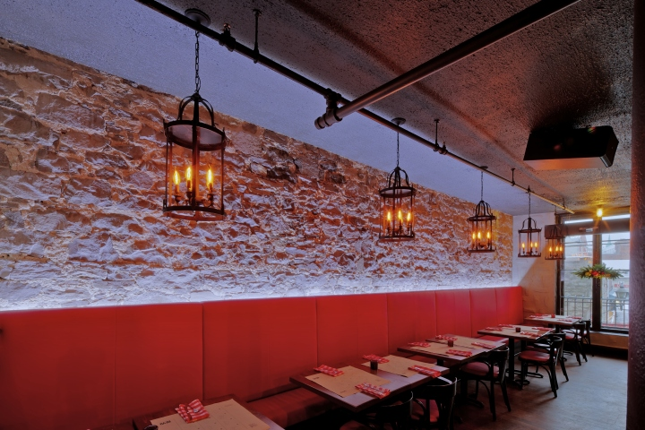 BEVO-Bar-and-Pizzeria-by-Camdi-Design-Bloom-Lighting-Group-Montreal-05