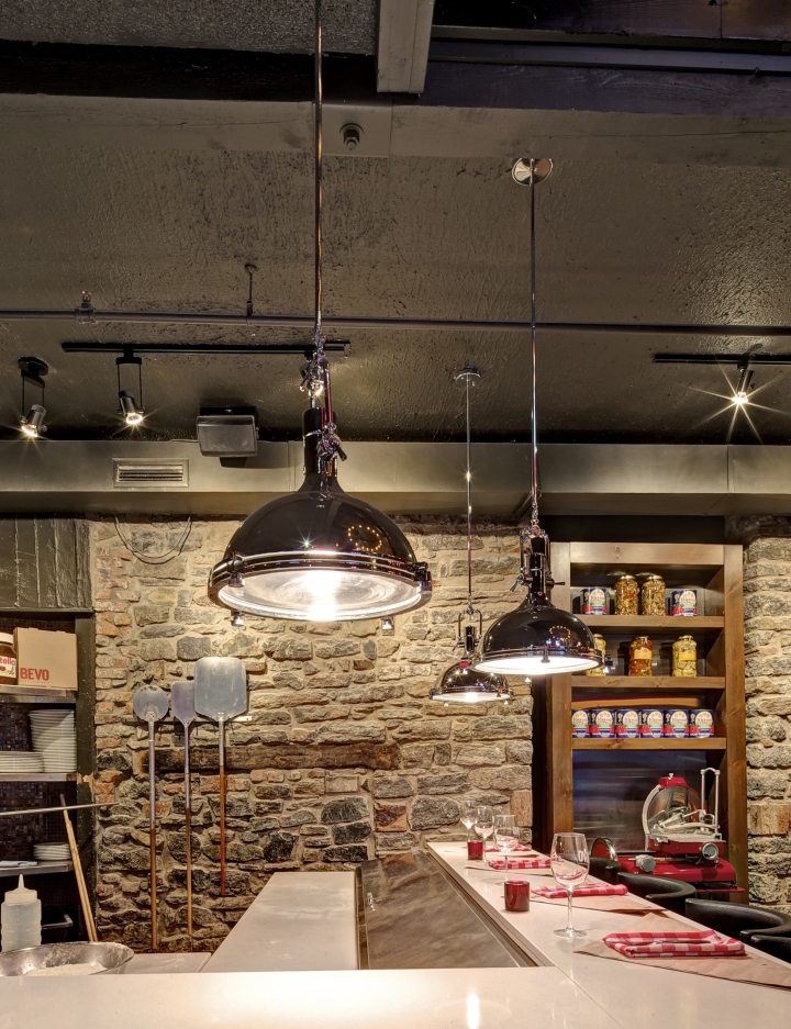 BEVO-Bar-and-Pizzeria-by-Camdi-Design-Bloom-Lighting-Group-Montreal-07