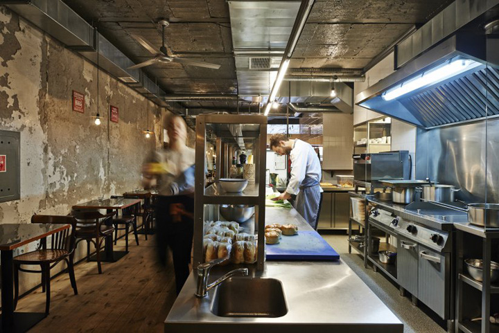 Tomek-Wozniak-Burger-Kitchen-restaurant-Warsaw-Poland-03