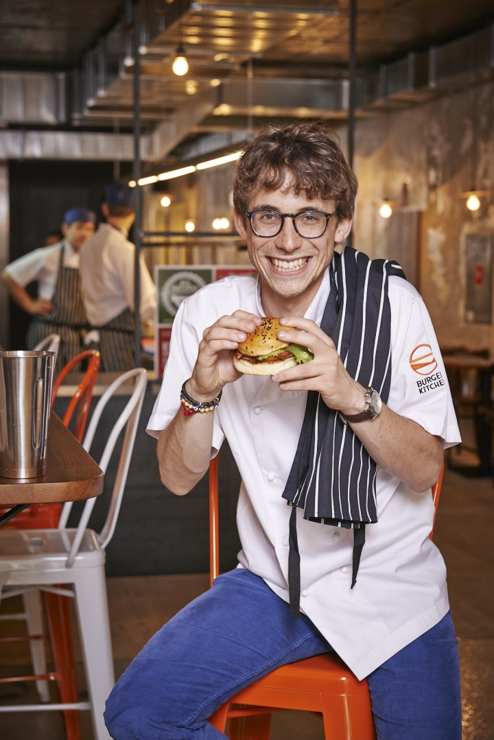 Tomek-Wozniak-Burger-Kitchen-restaurant-Warsaw-Poland-09
