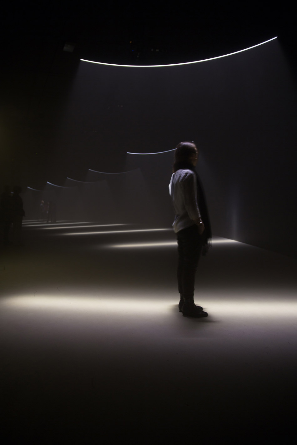 united-visual-artists-momentum-the-curve-barbican-designboom-g5