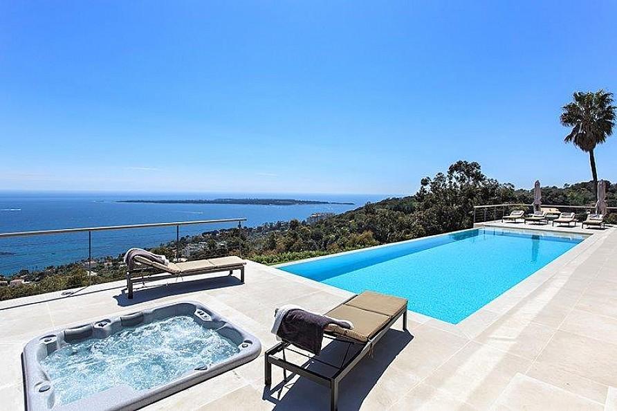 18-Private-swimming-pool