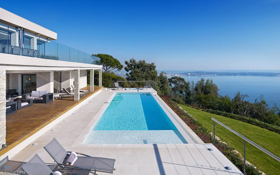 2-Open-air-swimming-pool
