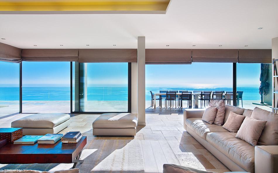 6-Tiled-living-room-floor