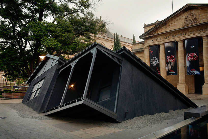 ian-strange-drops-a-house-from-the-sky-for-landed-designboom-02