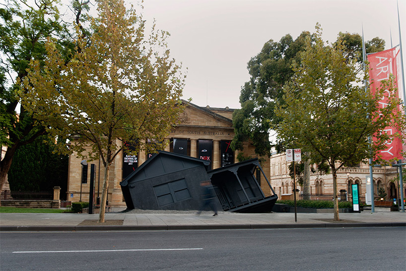 ian-strange-drops-a-house-from-the-sky-for-landed-designboom-09