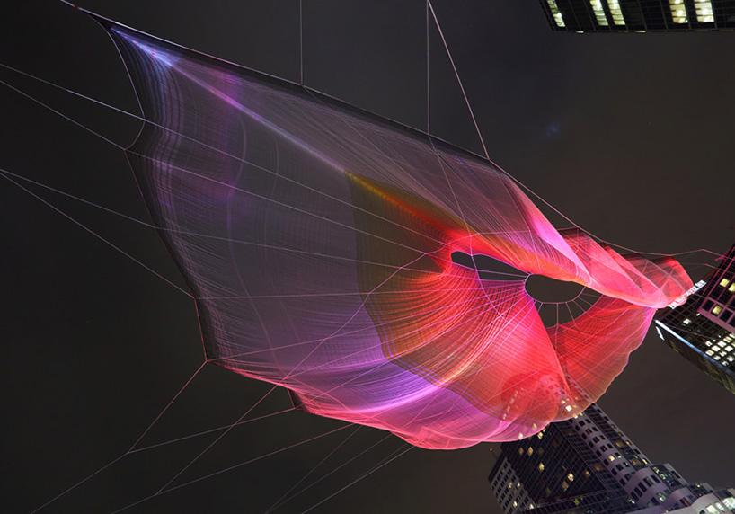 janet-echelman-and-google-weave-an-interactive-sculpture-in-the-sky-designboom-10
