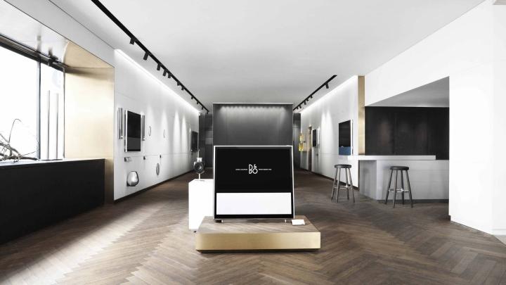 Bang-Olufsen-flagship-store-by-Johannes-Torpe-Studios-Copenhagen-Sweden-03