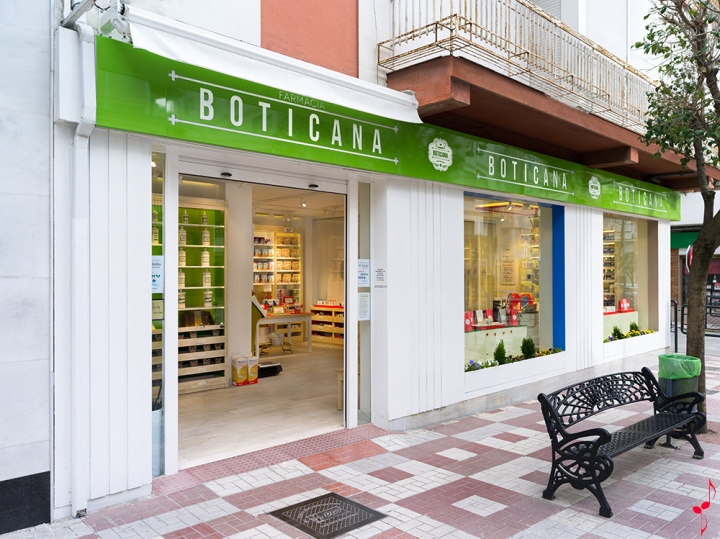 Boticana-pharmacy-by-Marketing-Jazz-Jaen-Spain-13