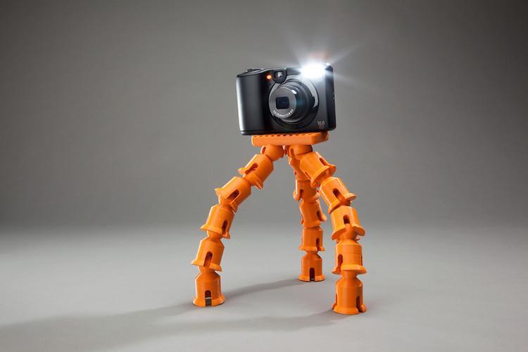 1670834-slide-makerbot-replicator2-print-makerbot