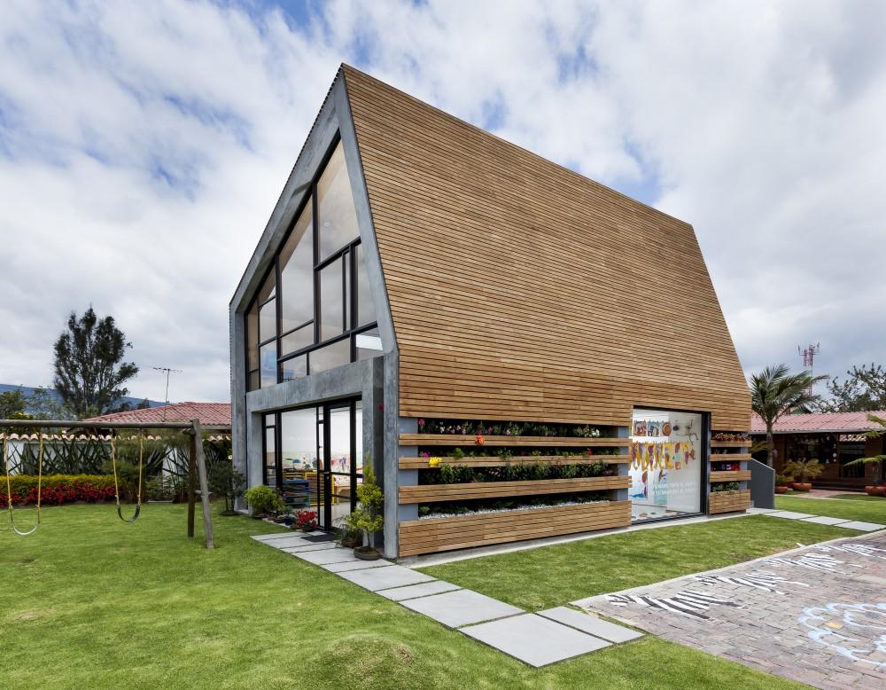 537bfa63c07a80212100011f_la-leroteca-lacaja-arquitectos_pa-media-bienal-lero-r-davila_mg_0717-1000x778