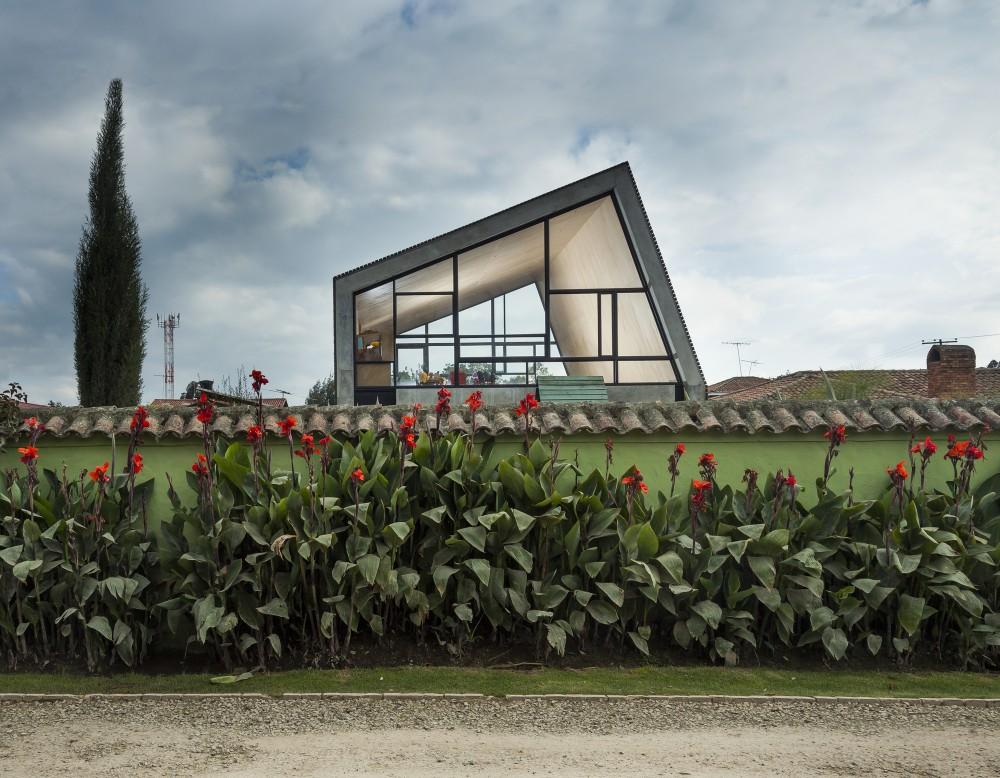 537bfa67c07a80d8590000ec_la-leroteca-lacaja-arquitectos_pa-media-bienal-lero-r-davila_mg_0861-1000x778