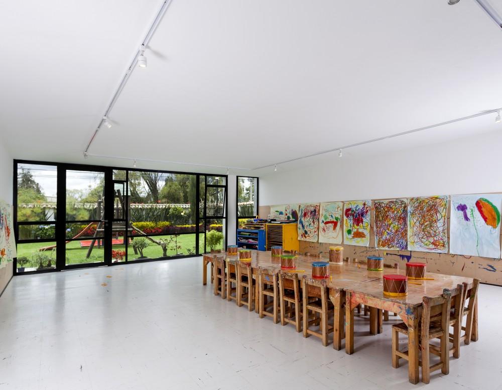 537bfb97c07a80d8590000ef_la-leroteca-lacaja-arquitectos_pa-media-bienal-lero-r-davila1131-1000x778