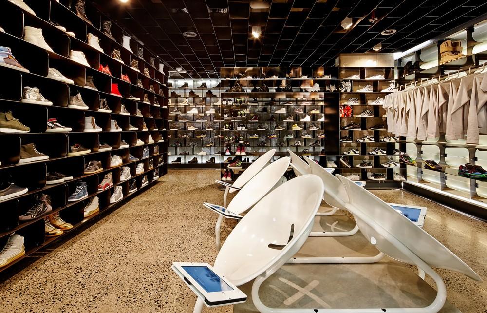 53991a04c07a803df40006b2_sneakerboy-store-march-studio_131013_sneakerboy_0333-1000x642
