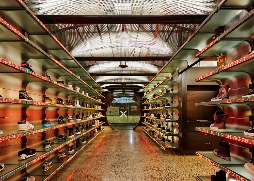 53991a97c07a805cea0006ed_sneakerboy-store-march-studio_131013_sneakerboy_0420-1000x714