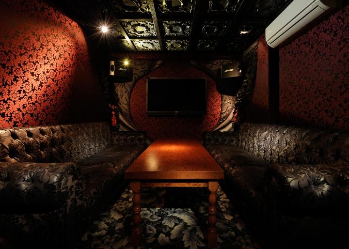 ETEETEI-Bar-Lounge-by-Design-Atelier-Rondo-Yokohama-Japan-08