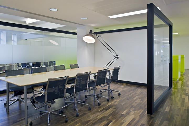 LG-Design-Studio-by-Jump-Studios-London-UK-03