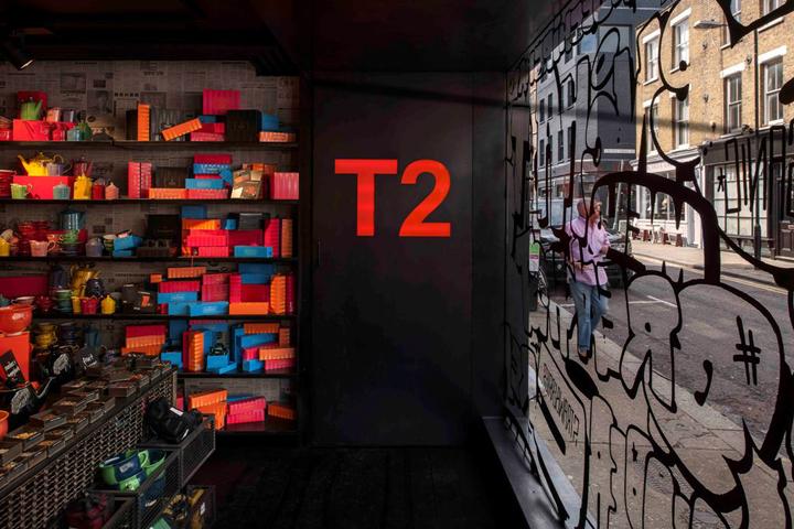 T2-tea-store-design-by-Landini-Associates-London-UK-06-