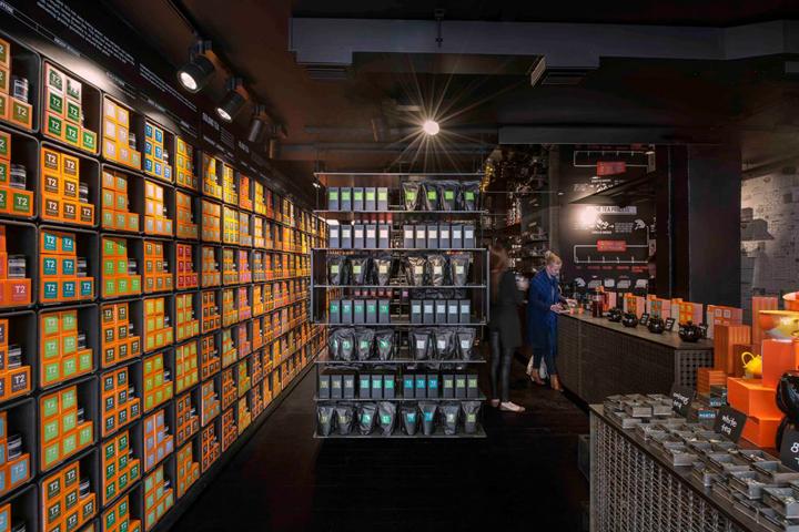 T2-tea-store-design-by-Landini-Associates-London-UK