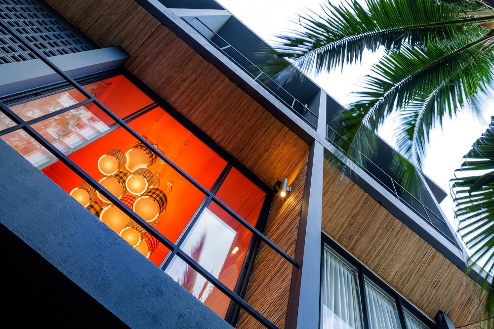 53c4bacfc07a8033fe00005e_yim-huai-khwang-hostel-supermachine-studio_ss-yimhuaykwang-30-1000x666