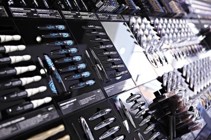 Deborah-Milano-flagship-store-by-Hangar-Design-Group-Milan-Italy-05