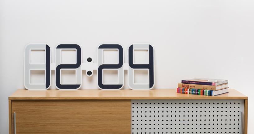 clock-one-e-ink-technology-designboom01