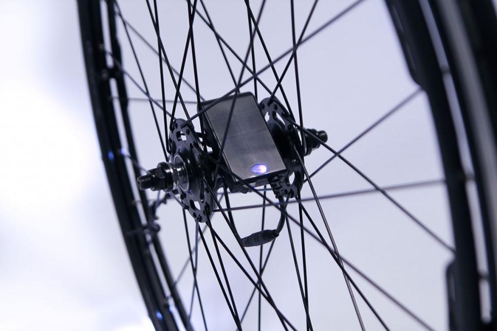 revo-store-wheels-batt-close
