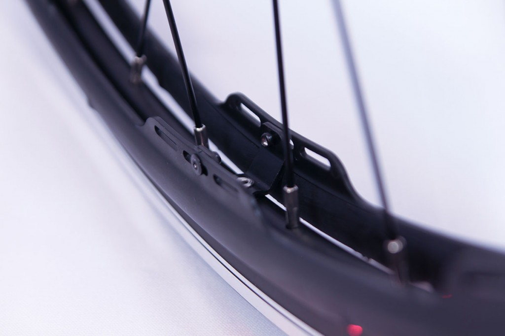 revo-store-wheels-bracket-close