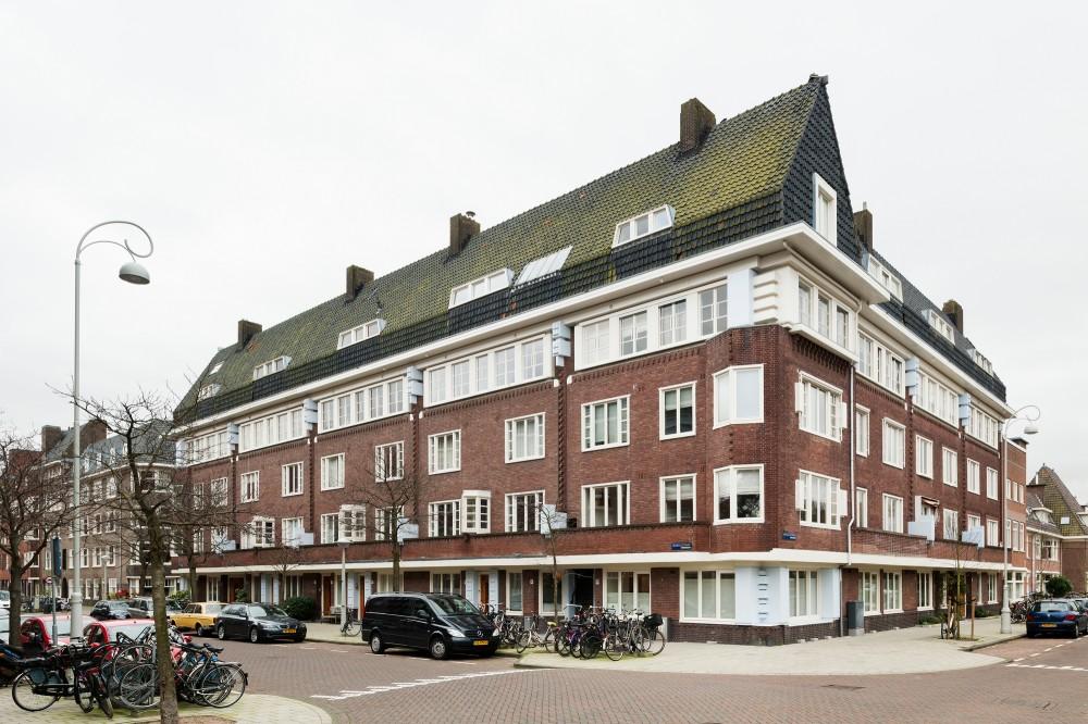 53d6d726c07a80595e000137_apartment-in-amsterdam-mamm-design_amsr_101_dn10100_l-1000x666