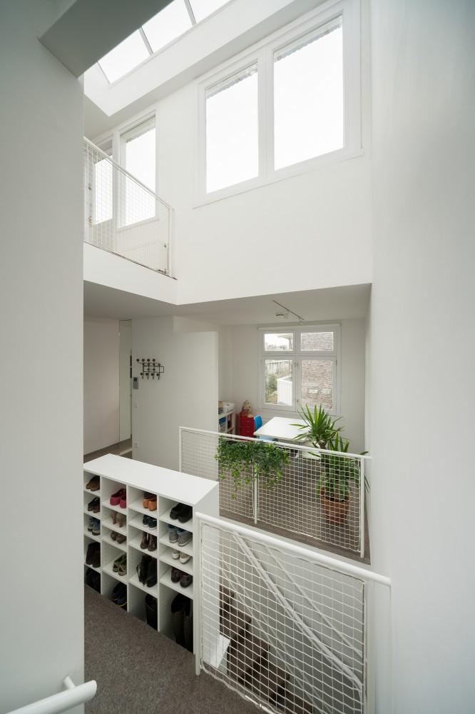 53d6d72bc07a80d971000152_apartment-in-amsterdam-mamm-design_amsr_102_dn10058_l-666x1000