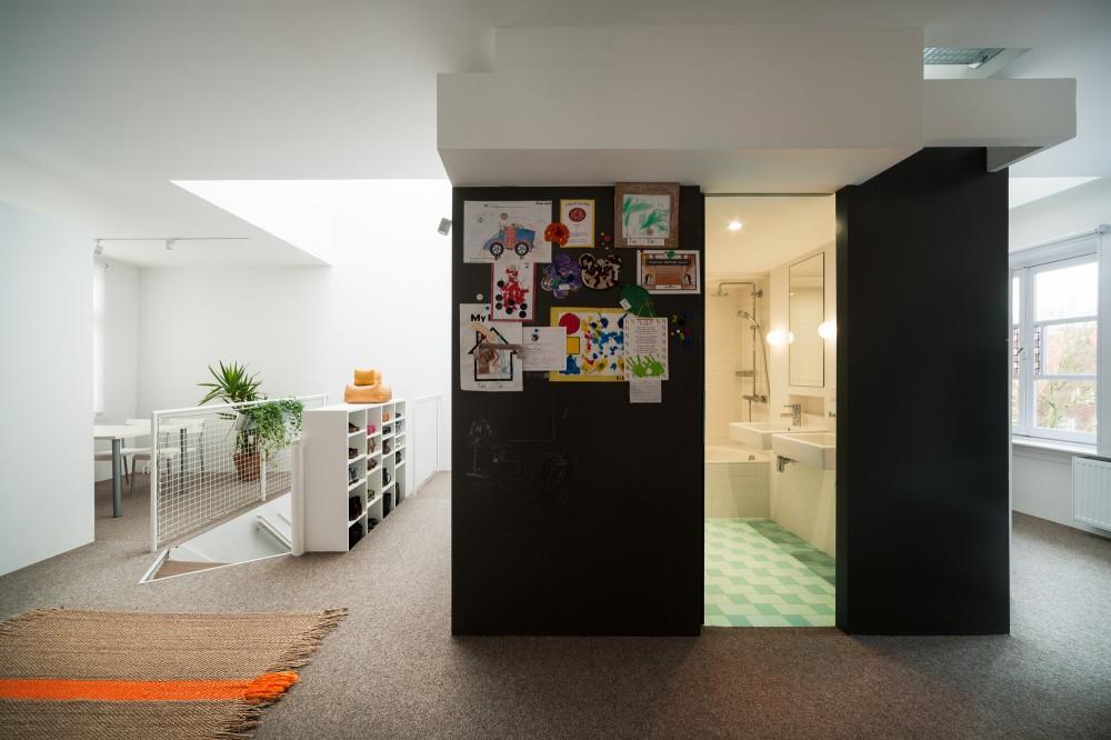 53d6d78bc07a80d971000153_apartment-in-amsterdam-mamm-design_amsr_105_dn10021_l-1000x666