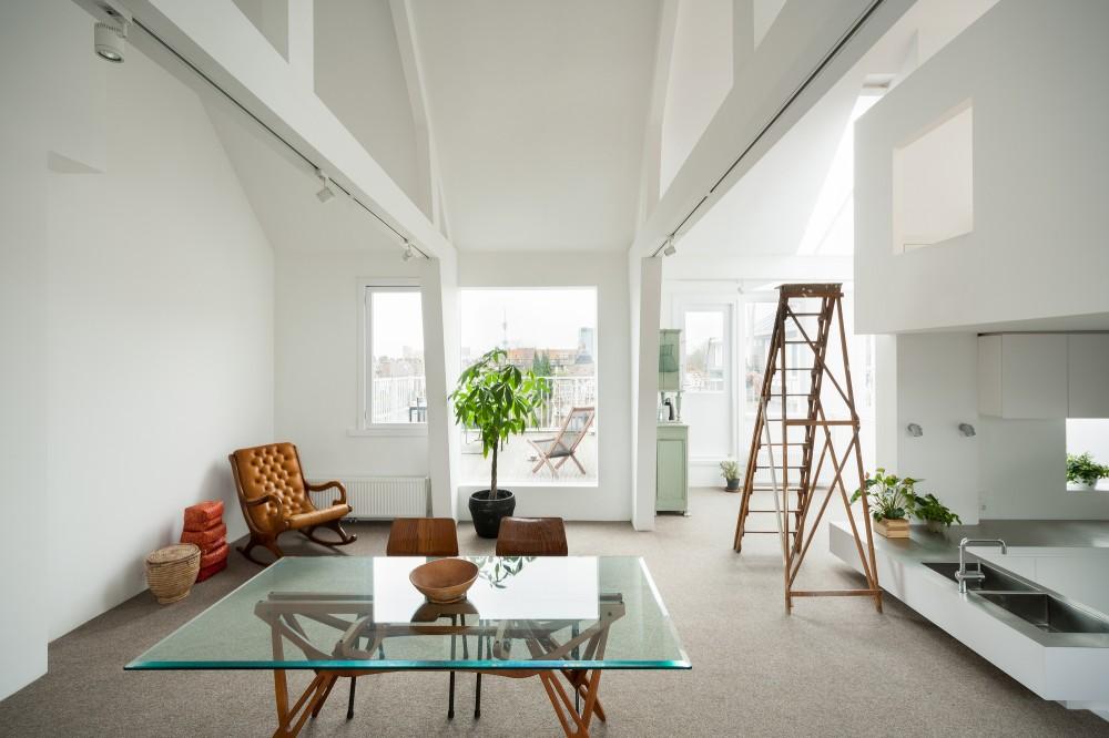 53d6d89ec07a80452b00015e_apartment-in-amsterdam-mamm-design_amsr_115_dn10156_l-1000x666