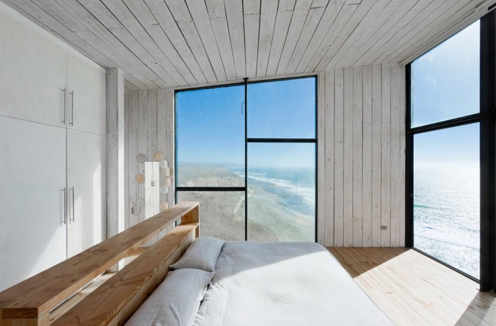 53e037aec07a80187400011f_puccio-house-wmr-arquitectos_sergio_matangrid_043-1000x658