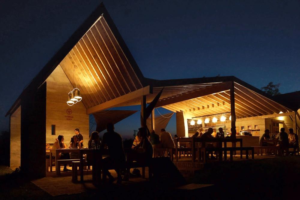 53f3fa07c07a80096200050e_wine-terrace-and-spa-gereben-mari-n-architects_aes_16-1000x666
