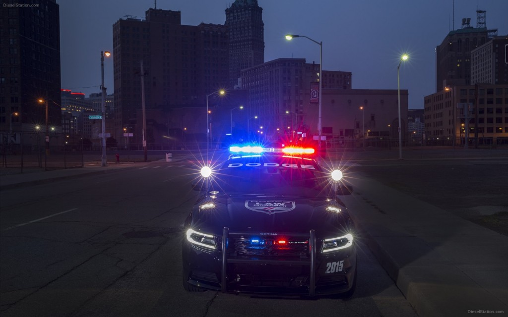 Dodge-Charger-Pursuit-2015-widescreen-06