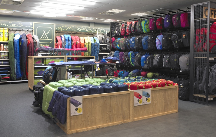 Ultimate-Outdoors-concept-store-by-Briggs-Hillier-Preston-UK-04