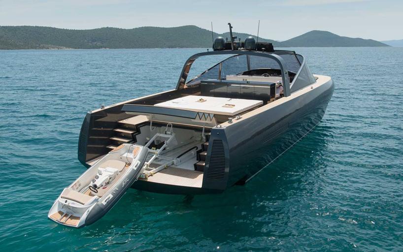 norman-foster-and-partners-alen-68-motor-yacht-designboom-02