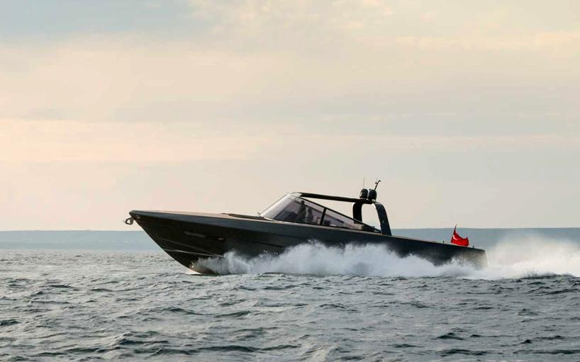 norman-foster-and-partners-alen-68-motor-yacht-designboom-05